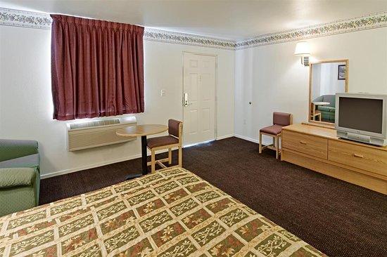 Americas Best Value Inn - McKinney: One King Bed