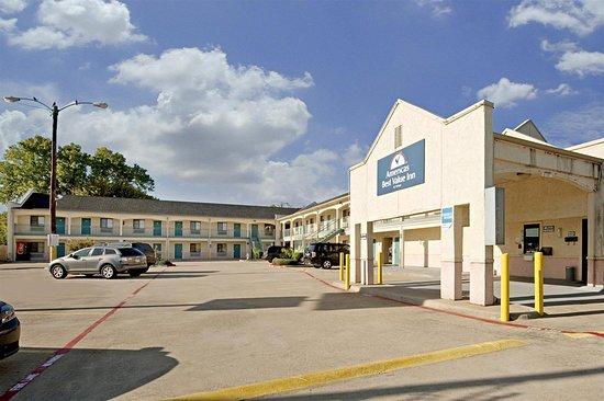 Americas Best Value Inn - McKinney: Front Exterior