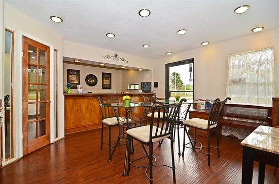 Americas Best Value Inn Refugio: Lobby