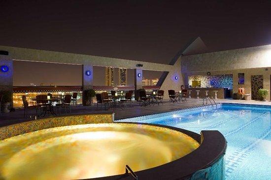 Elite Grande: Pool View