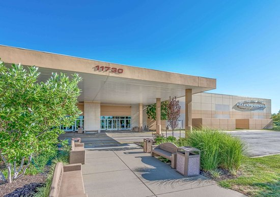 Super 8 by Wyndham Kansas City at Barry Road/Airport: KCI Expo Center