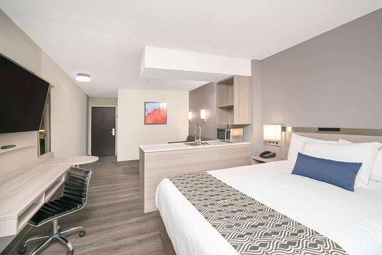 Microtel Inn & Suites by Wyndham Nashville: Suite