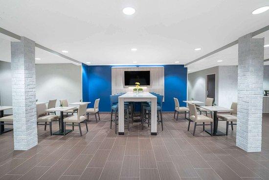 Microtel Inn & Suites by Wyndham Nashville: Lobby
