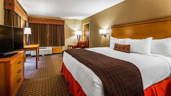 Best Western Plus Olympic Inn: King Guest Room