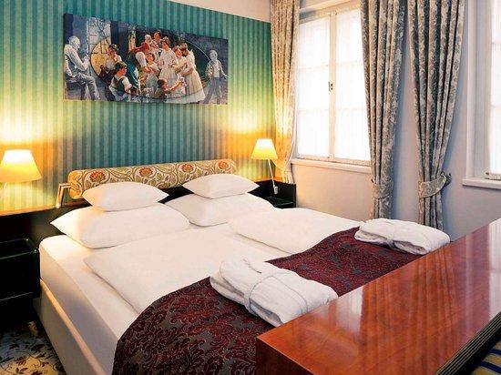 Schones Hotel Mit Innenhof Im Zentrum Mercure Grand Hotel