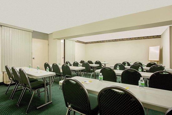 Forsyth, GA: Meeting Room