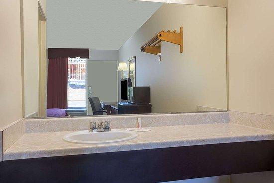 Forsyth, GA: Bathroom