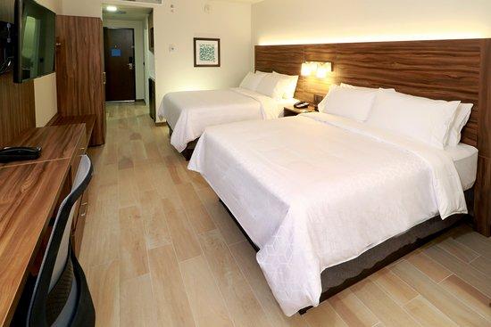 Guest room amenity – na slici je Holiday Inn Express and Suites Playa del Carmen, Plaja del Karmen - Tripadvisor