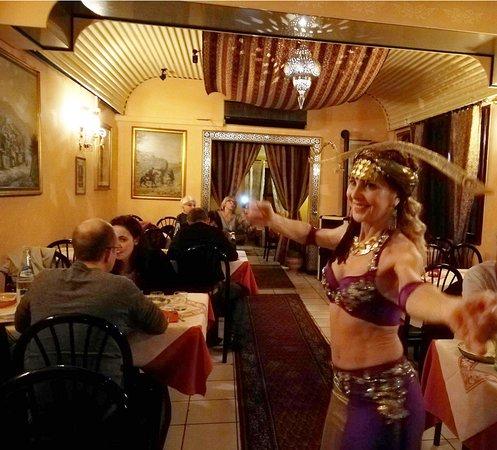 Ristorante Persiano Teheran Pars: Ottimo cibo persiano e spettacolo di Danza del Ventre