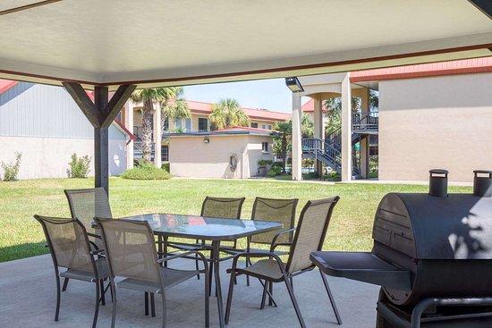 Days Inn by Wyndham Leesville: Property amenity