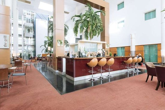 Arora Hotel Gatwick / Crawley: Bar Lobby