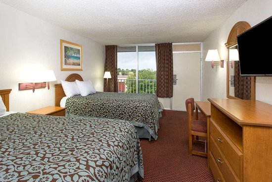 Days Inn by Wyndham Fort Myers: 2 Double Bed Room