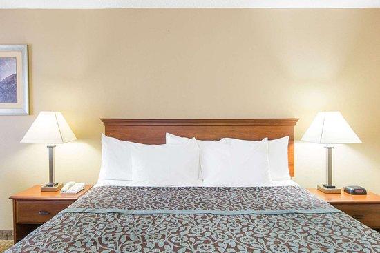 Ripley, TN: Guest room