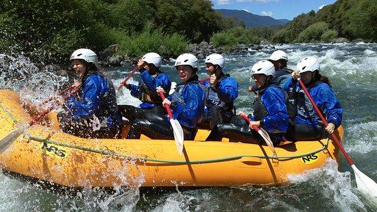 descenso en el rio trancura para compartir con amigos