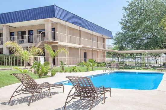 Crockett, Техас: Pool