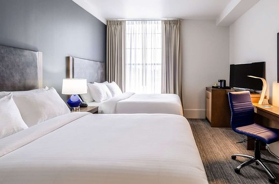 New Bedford Harbor Hotel, an Ascend Hotel Collection Member: Spacious room with queen beds