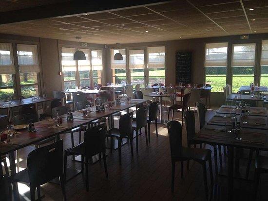 La Creche, France : Restaurant