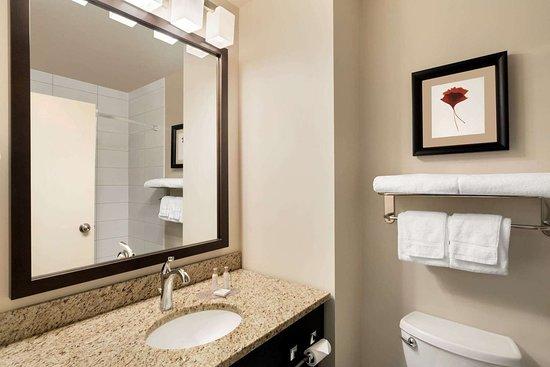 Weyburn, Kanada: Guest room bath