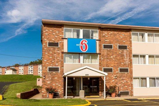 New Stanton, PA: exterior