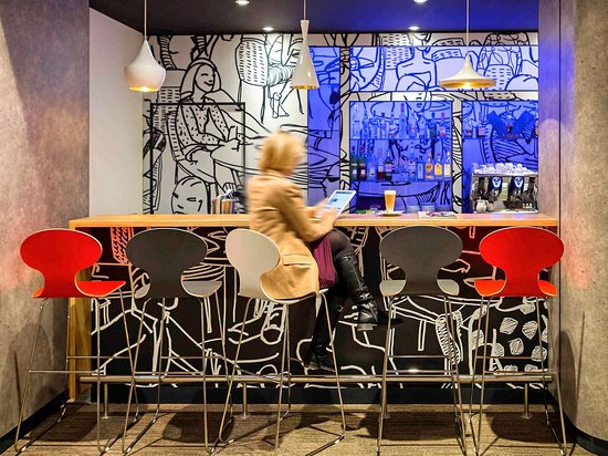 Ibis Wroclaw Centrum: Bar Lounge