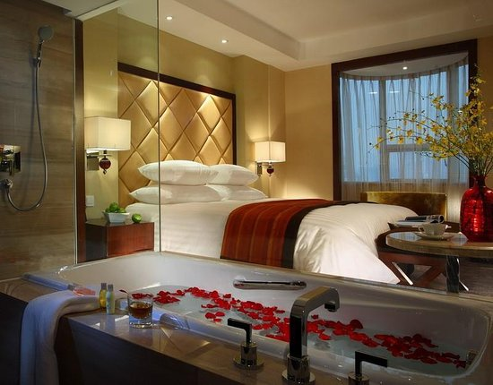 New Century Hotels & Resorts: Guest Room