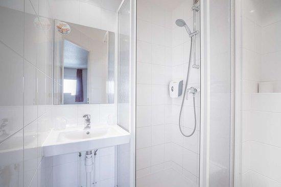 Premiere Classe Orly Rungis: photo salle de bain