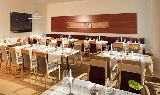 Hotel Essential by Dorint Berlin-Adlershof: Restaurant