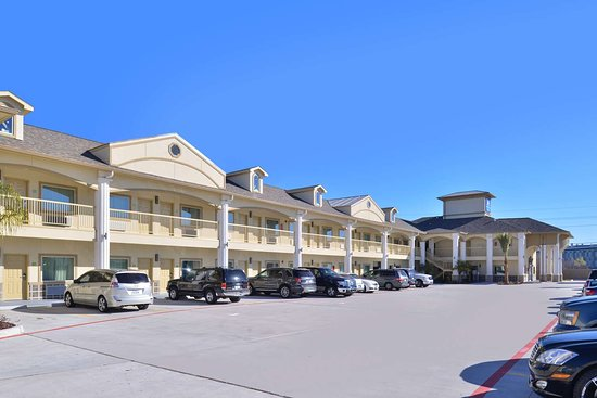 Americas Best Value Inn & Suites - Houston / Hwy 6 & Westpark: Side Exterior