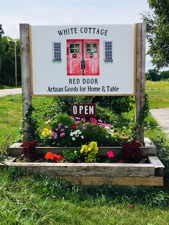 White Cottage Red Door 8813 Hwy 42 Fish Creek WI 54212