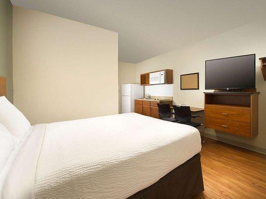 WoodSpring Suites Ankeny: Generic WoodSpring Suites One Bed Suite x