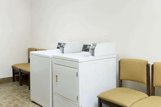 Paxton, NE: Laundry