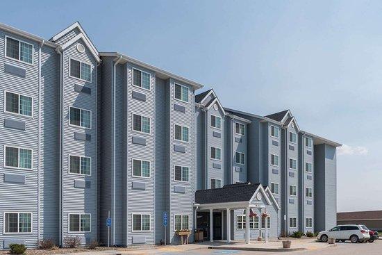Microtel Inn & Suites by Wyndham Stanley: Exterior