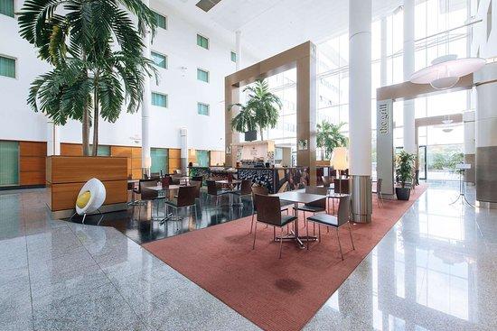 Arora Hotel Gatwick / Crawley: Lobby View