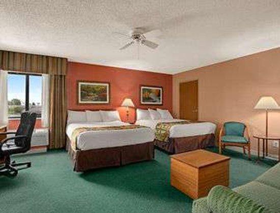 Sullivan, MO: Upgraded 2 Queen Beds Room