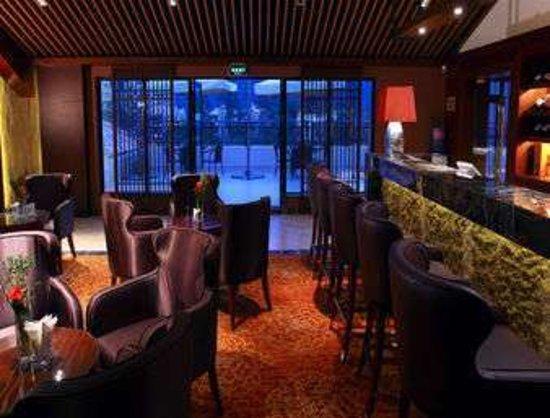 Xingyi, China: Bar