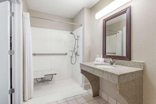 มานนิง, เซาท์แคโรไลนา: Guest room bath