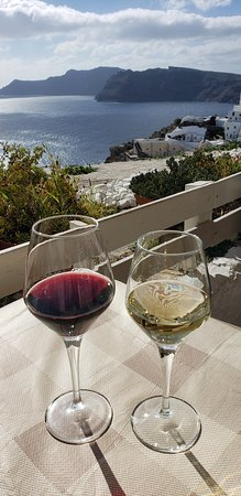 Thalami: view with wine