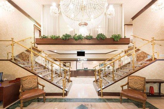 Ramada by Wyndham St. John's: Lobby