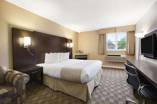 Days Inn & Suites by Wyndham North Bay: Suite