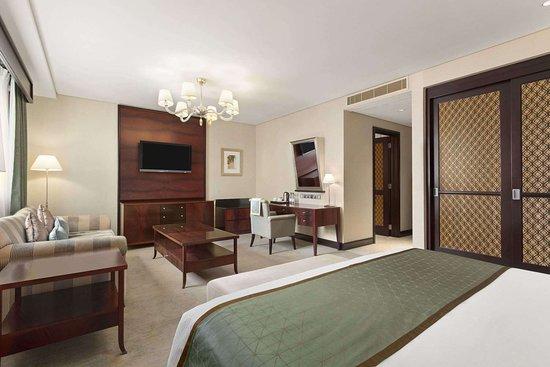 1 King Bed Premium Room