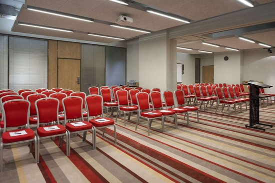 Ramada Encore by Wyndham Kyiv: Meeting Room
