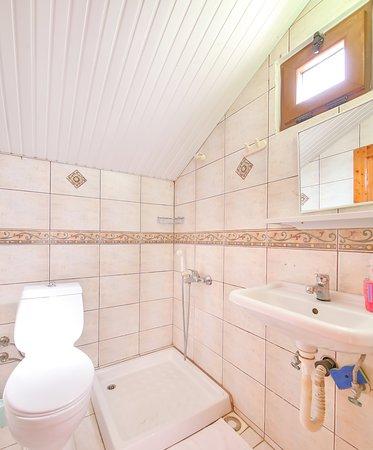 3. kat çift kişilik oda özel duş tuvalet