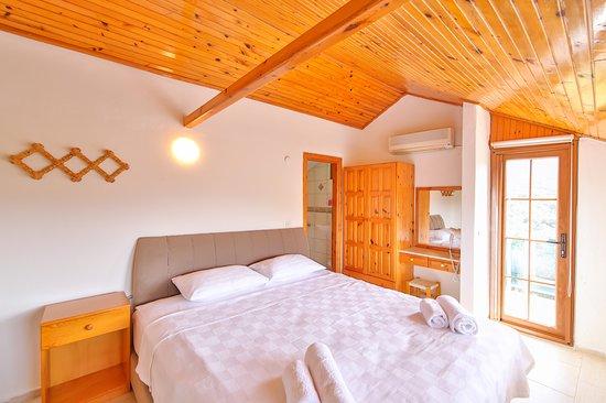 3. kat çift kişilik yatak odası