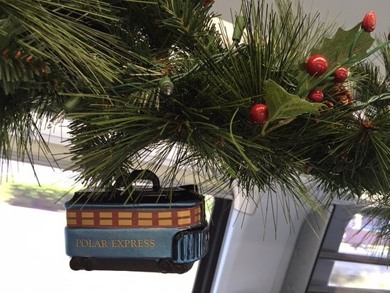 Brightline: Christmas decorations in carriage (December 2018)