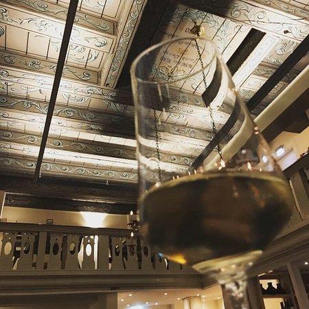 Vineyard - Weinhandel & Gasthaus