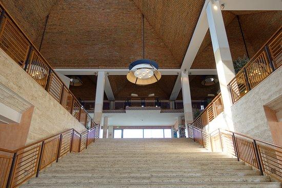 Grande Real Santa Eulalia Resort & Hotel Spa: la descente pour le resto et la plage
