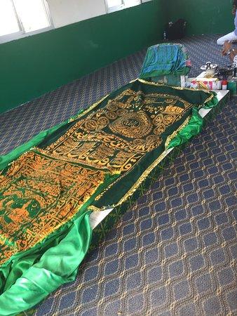 Гробница Наби Айюб (Гробница пророка Иова): The tomb itself