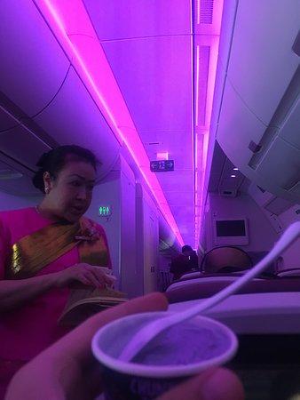 Thai Airways: Purple evrywhere!