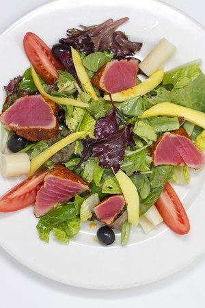 Loft Bar and Bistro: Seared Ahi Salad