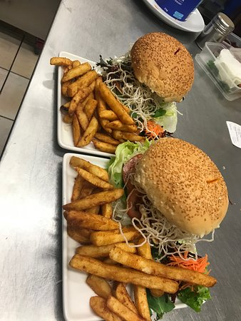 Tina's Place Toowoomba: Awesome burgers